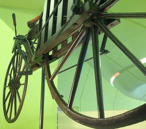 Das älteste erhaltene Fahrrad mit Hinterrad-Antrieb von Gavin Dalzell (ca. 1845), Riverside Museum, Glasgow