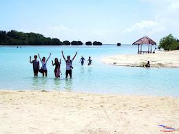 family trip pulau pari 140716 Fuji 200