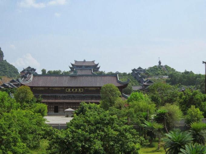 Bai dinh Pagoda Ninh Binh Tour
