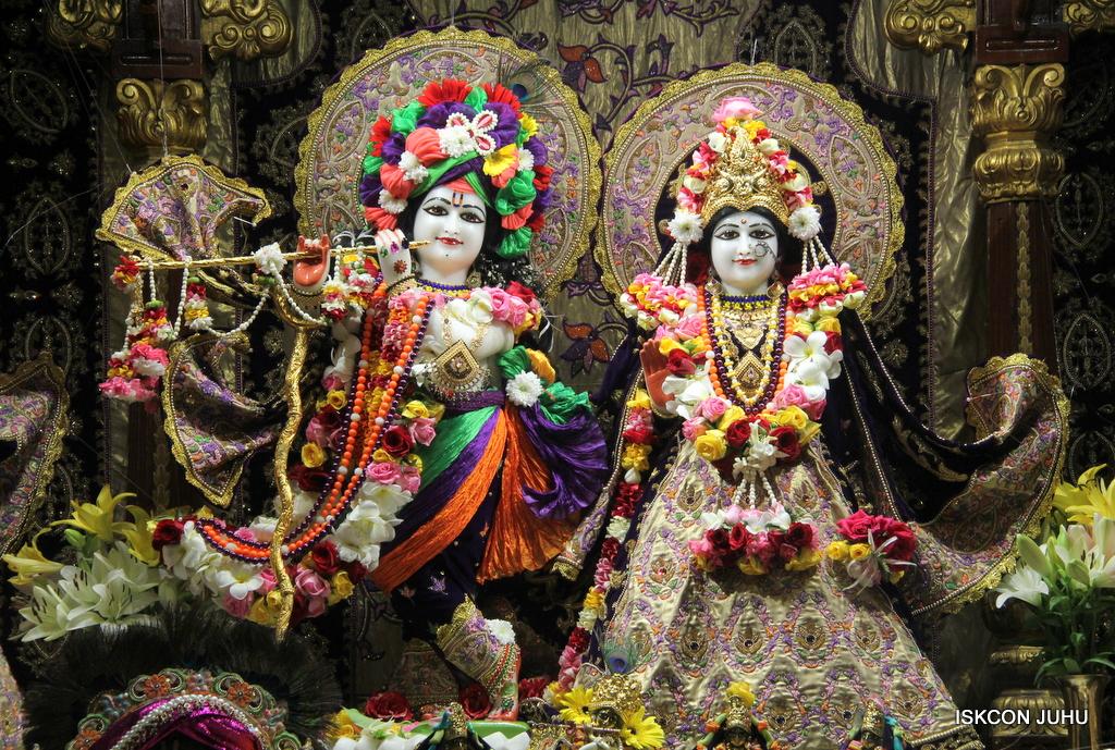 ISKCON Juhu Sringar Deity Darshan on 22nd Oct 2016 (5)