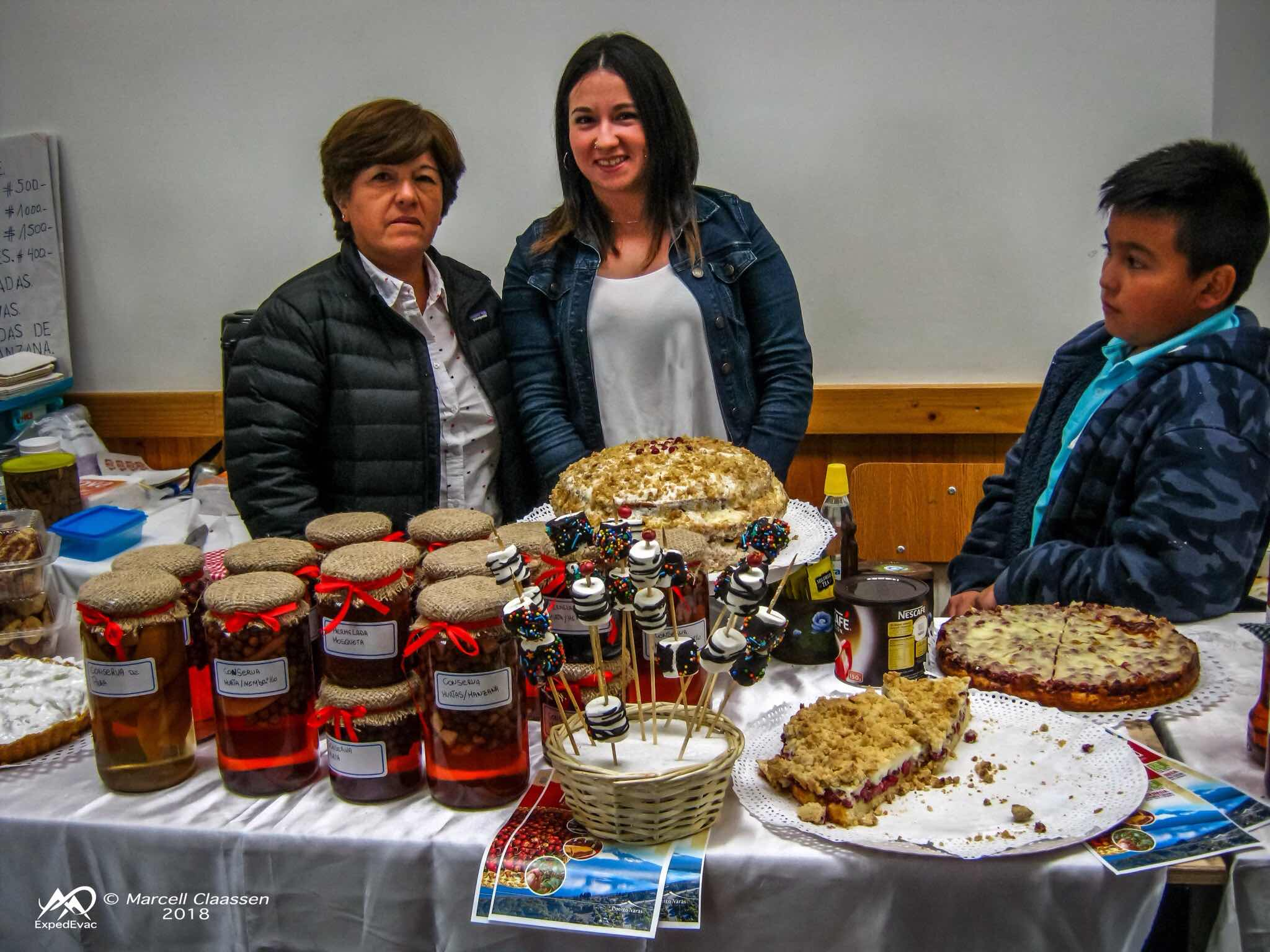 Ensenada, Chile: mother and daughter who bake amazing and make delicious conserves/jams.