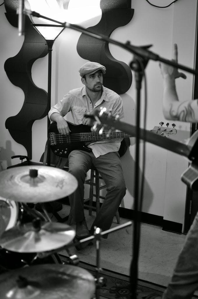 War Radio at Music Garage (12)