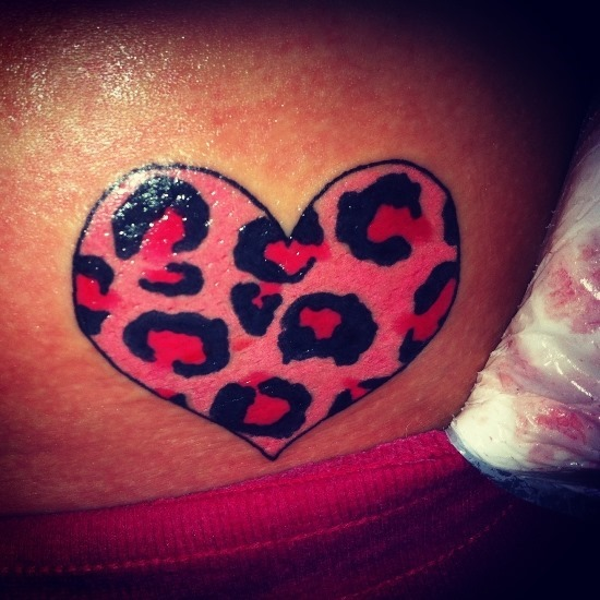 cheetah_print_coraço_de_tatuagem