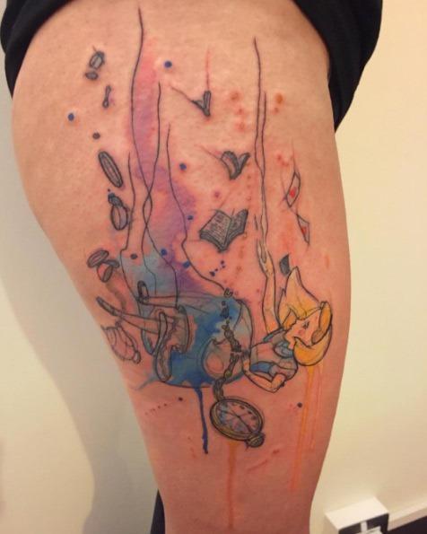 Este lindo alice no país das maravilhas tatuagem