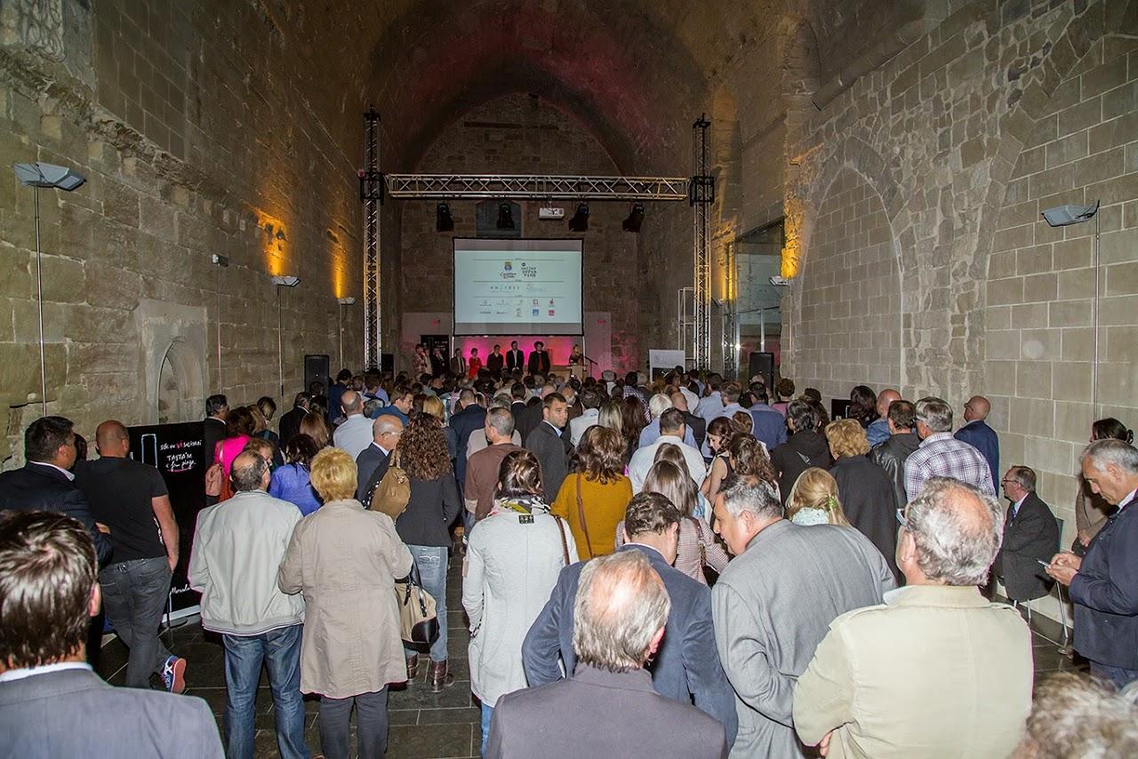 Fotocol Presentació Vi Solidari 2 de vi amb Folre - IMG_2417.jpg