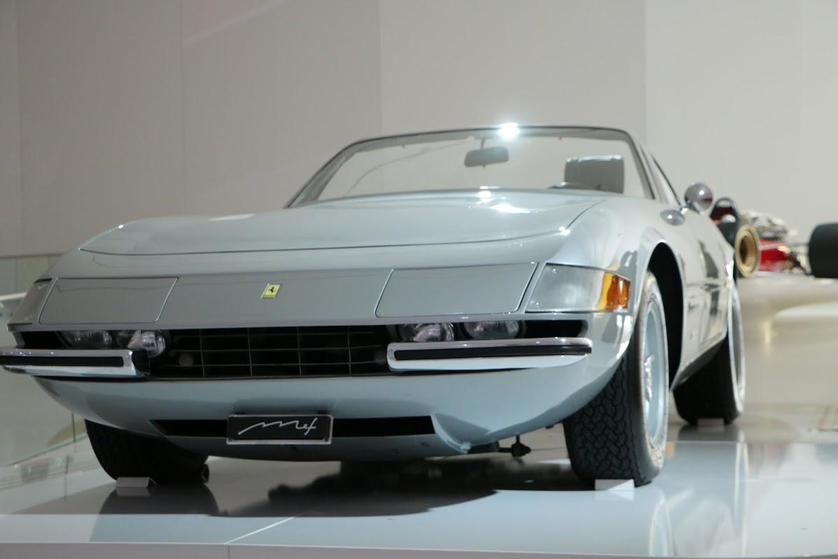Modena - Enzo Museum 0020 - 1969 Ferrari 365 GTS4 Daytona Spider.jpg