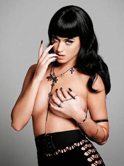 Katy Perry, desnuda