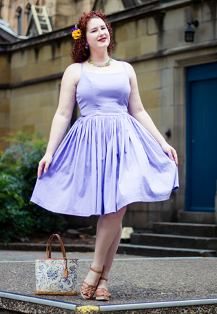 Sundresses and hair flowers for retro fashion | Lavender & Twill
