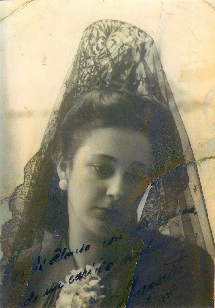 Margarita, esposa de D. Alonso. De la pagina web HISTORIA DE UN BUZO. Nuestro agradecimiento.jpg