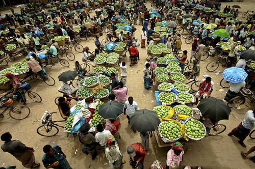 A wholesale mango market