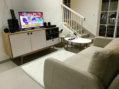 Desain ruang keluarga rumah 2 lantai