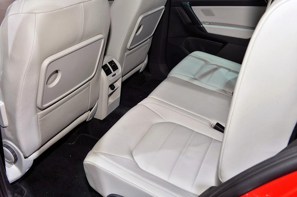 2014-VW-Golf-Sportvan-ic-2