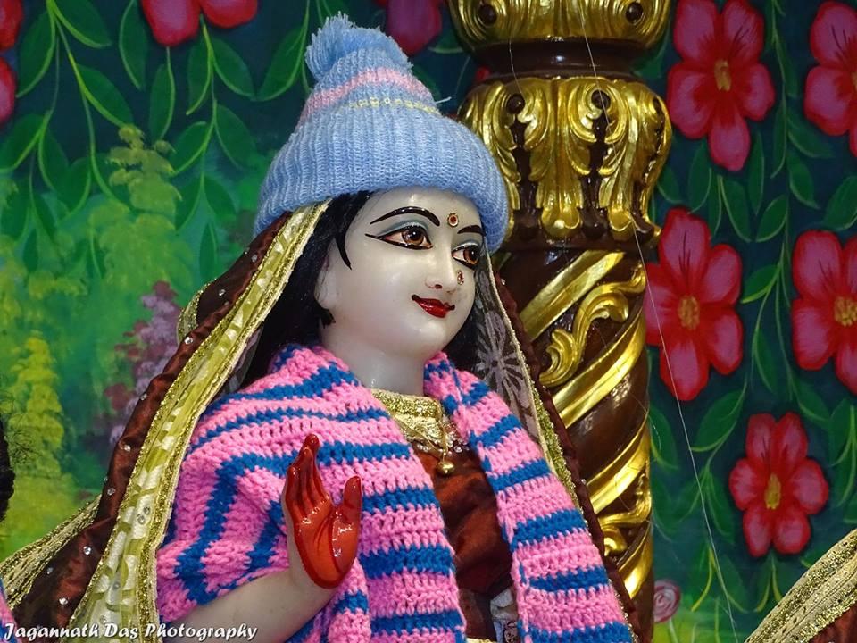 ISKCON Mira Road Deity Darshan 11 Jan 2016  (23)