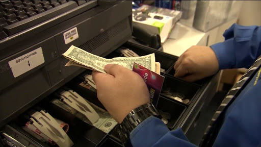 Report: Retail credit cards charge as much as 29% interest
