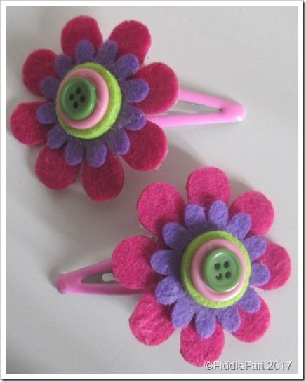 felt daisy hair clips 90
