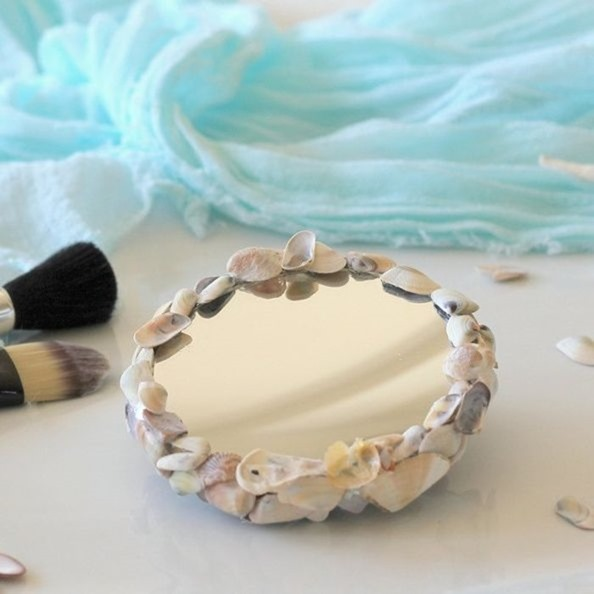 repurposed-shells-to-make-up-mirror-crafts-how-to-repurposing-upcycling