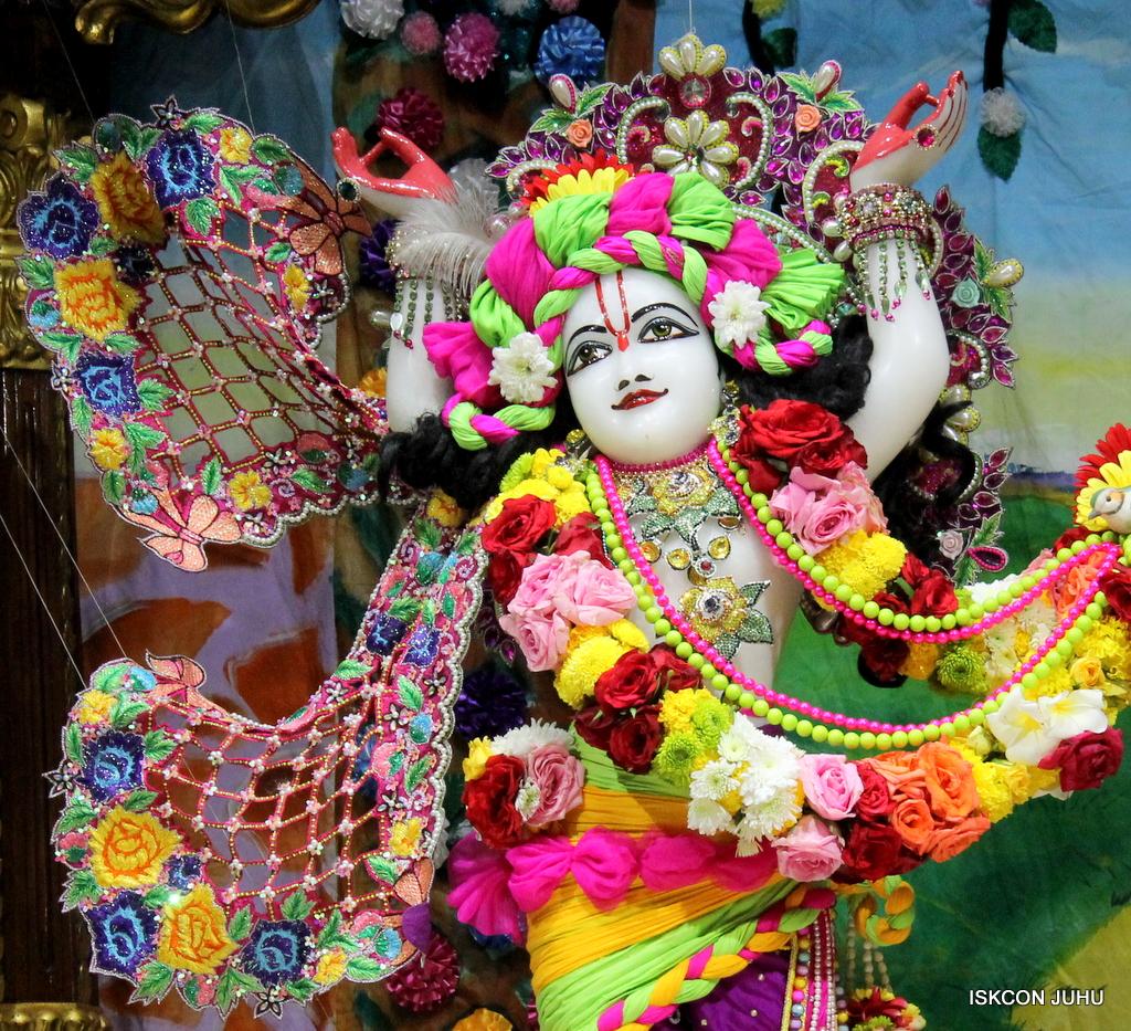 ISKCON Juhu Sringar Deity Darshan on 29th Sep 2016