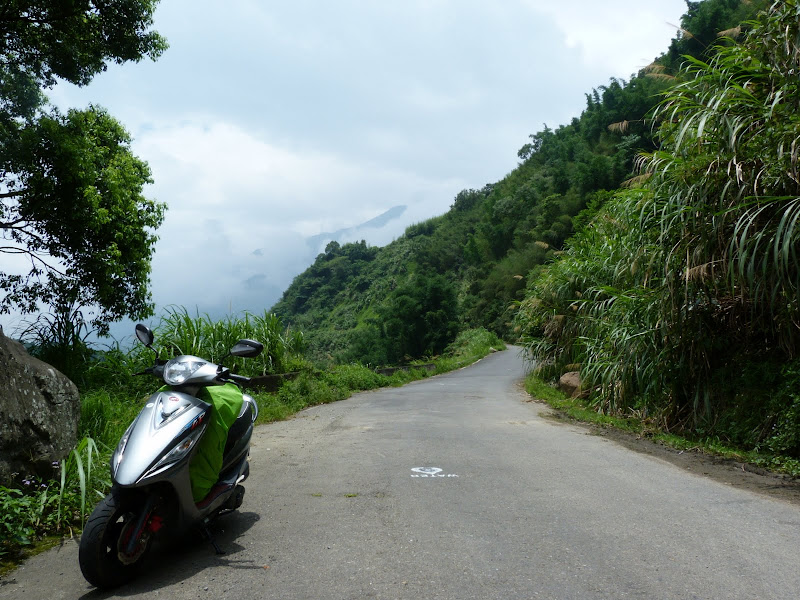 scooter et sac à dos