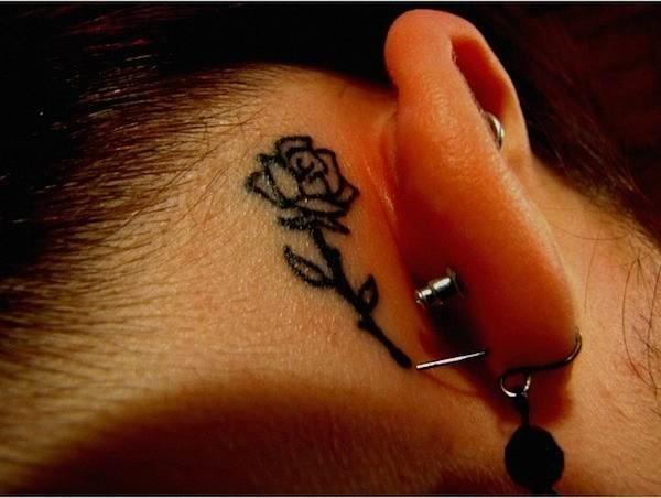 flor_da_tatuagem_atrs_da_orelha
