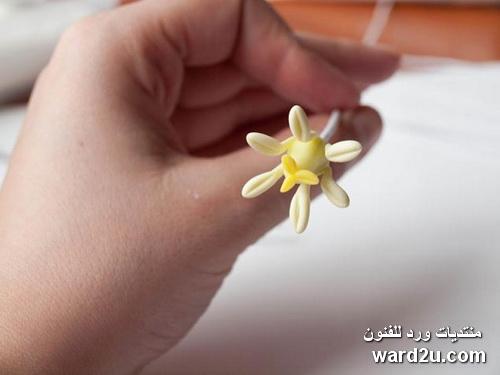 باقات ورد وزهور من عجينة السيراميك بالخطوات المصوره
