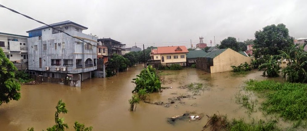 Mario Causes Flooding in Metro Manila with Pictures 19-09-2014-02