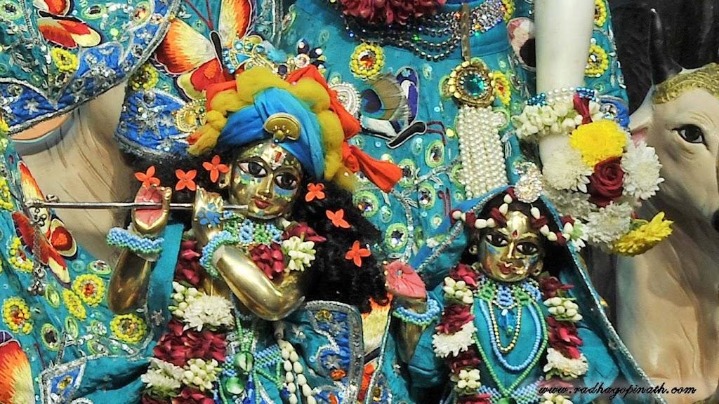 ISKCON Chowpatty Deity Darshan 18 Dec 2015 (22)