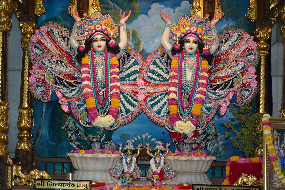 ISKCON Ujjain Deity Darshan 3 April 2016  (19)