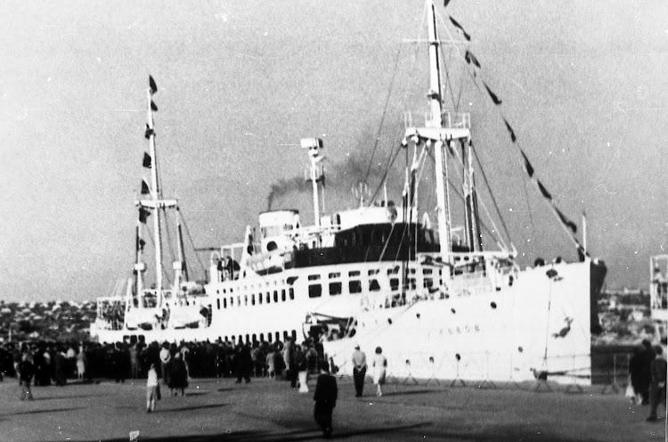 22- El LVOV ya en tiempos de paz. Shipspotting. Foto Vitaliy Kostrichenko. Q e p d.jpg