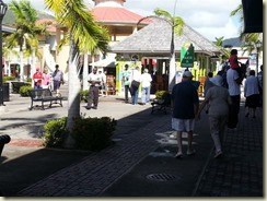 20151227_ st kitts shopping 1 (Small)