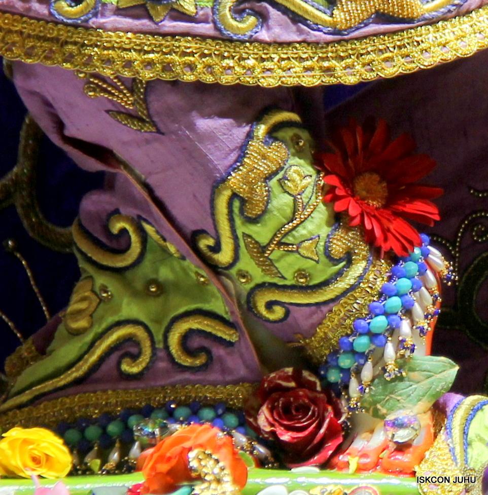 ISKCON Juhu Sringar Deity Darshan 11 Jan 2016  (8)