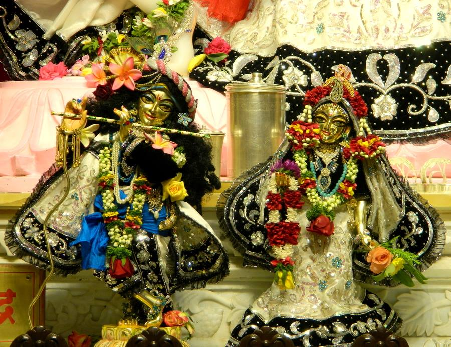 ISKCON Pune NVCC Deity Darshan 10 Jan 2017 (11)