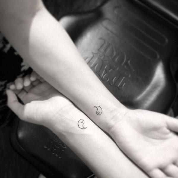 estes_completar_yin_yang_tatuagens_de_pulso