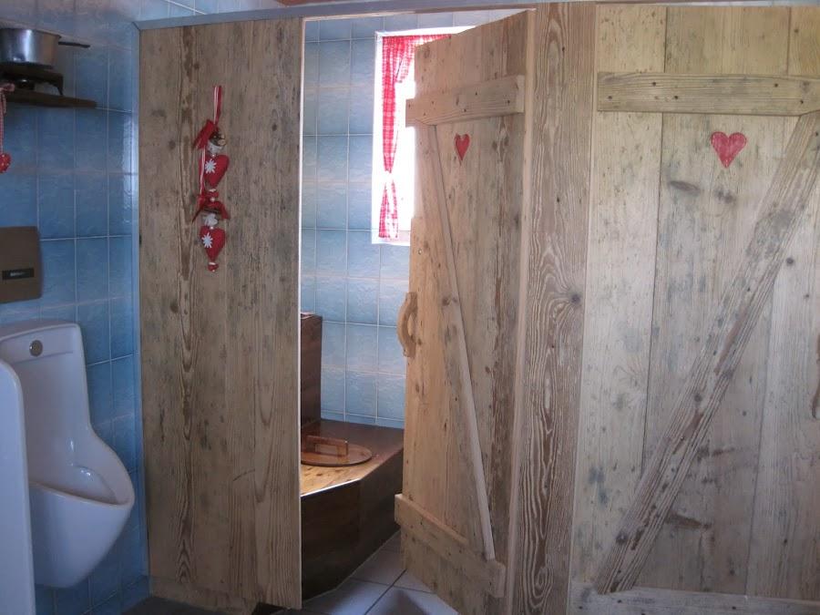 Herren-WC nachher