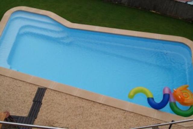 Alba piscinas com piscinas de poliester oferta for Oferta piscina poliester