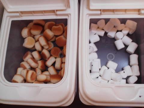 チョコファウンテンコーナー:プチロールパン・マシュマロ 回転寿司かいおう小牧パワーズ店