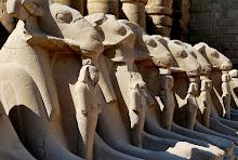 karnak-sphinxes-1