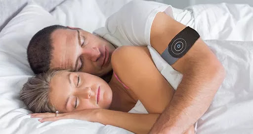 This Anti-Snoring Wearable Helps You Stop Snoring 1