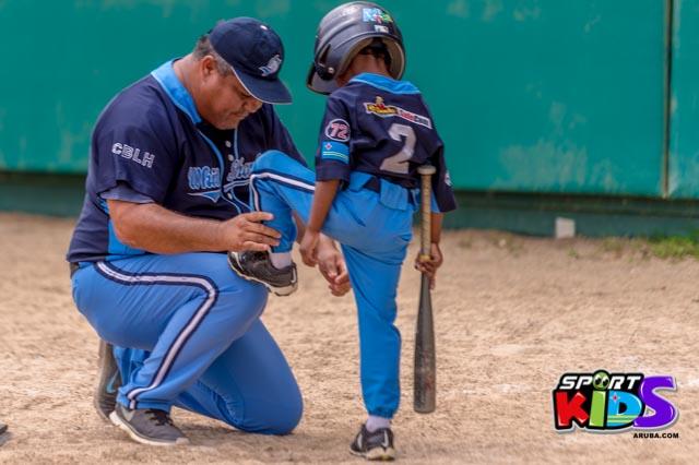 Juni 28, 2015. Baseball Kids 5-6 aña. Hurricans vs White Shark. 2-1. - basball%2BHurricanes%2Bvs%2BWhite%2BShark%2B2-1-31.jpg