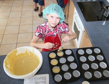 Marie sorgt für die ersten Spielstadt-Muffins