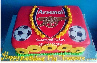 Arsenal cake for a football lover