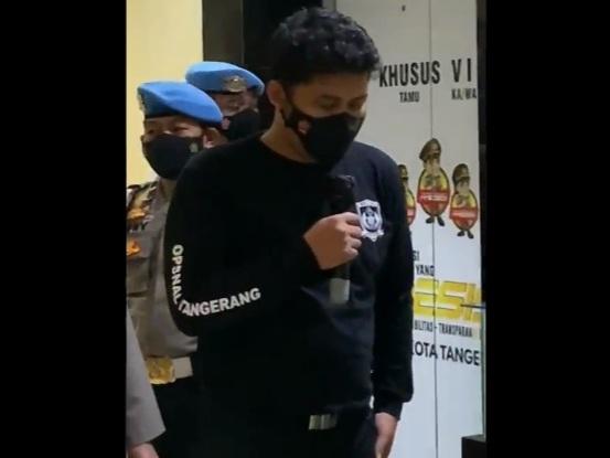 Polisi yang Banting Mahasiswa Akhirnya Minta Maaf, Netizen: Main Kabur Aja Lu