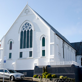 Knox Presbyterian Church Parnell. This was completely stripped of paint all building repairs undertaken and repainted. Duration 4 months