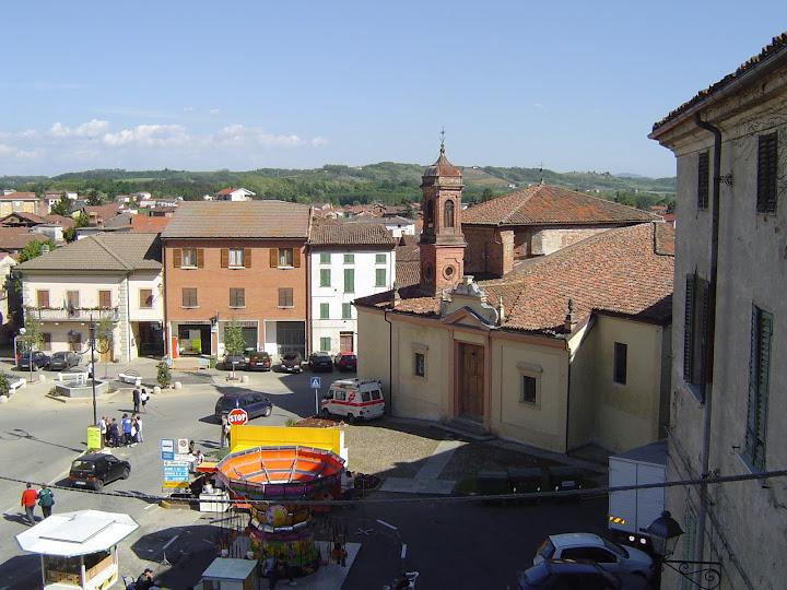 Piazza Est - piazza3.JPG