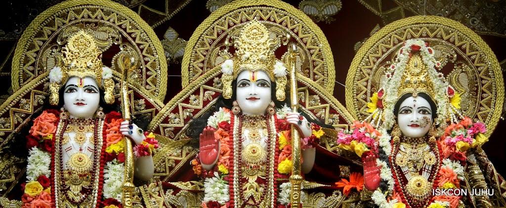 ISKCON Juhu Sringar Deity Darshan on 5th Aug 2016 (36)