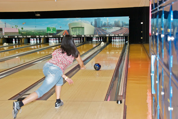 KiKi Shepards 9th Celebrity Bowling Challenge (2012) - IMG_8374.jpg