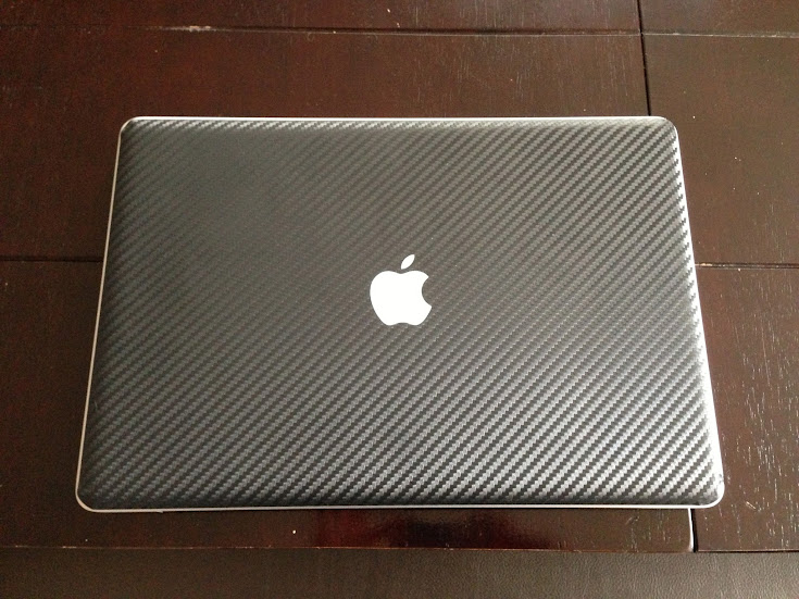"MacBook Pro 15"" with iCarbons Skin Black"