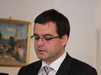 17 . Kiss Balázs a nagykövetség tanácsa olvasta fel a laudációkat.JPG
