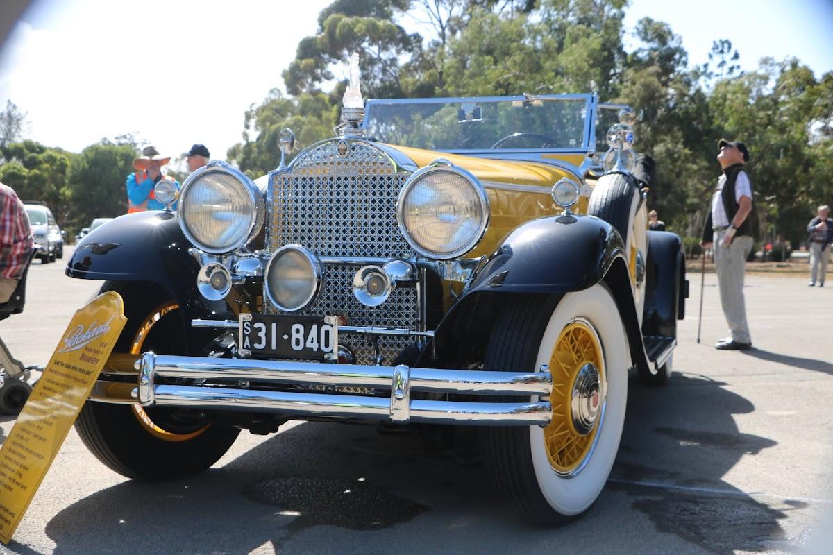 1931 Packard Super 8 Roadster 08.JPG
