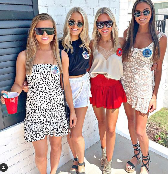 Download Wallpaper College Party Outfits