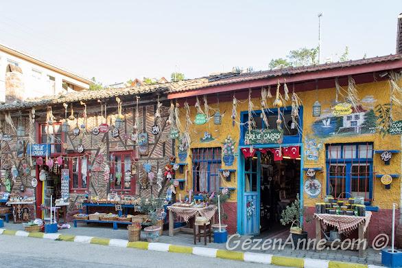 Bursa, Trilye sokaklarında